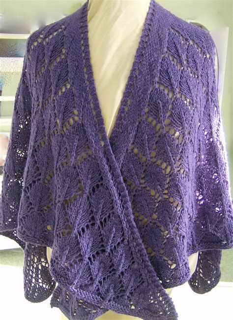 knitted shawl patterns sunfunliving knits oak leaves shawl pattern free