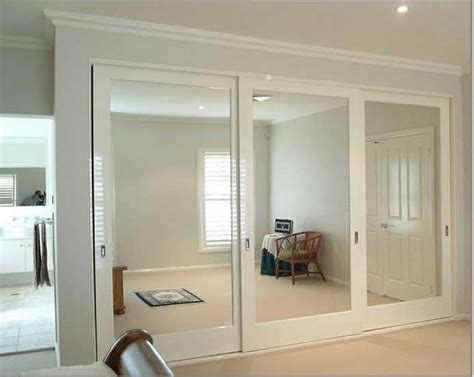 mirrored sliding closet doors for bedrooms best 25 mirrored closet doors ideas only on