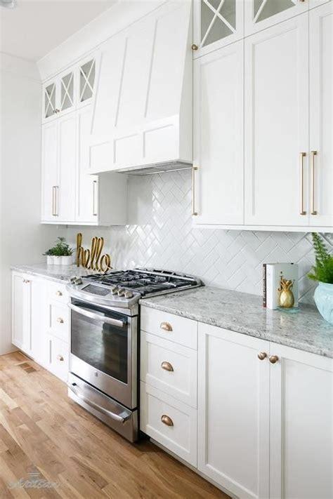 best kitchen cabinet handles best 25 kitchen cabinet hardware ideas on
