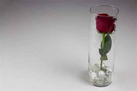 water in vases submerged flowers centerpiece diy tutorial