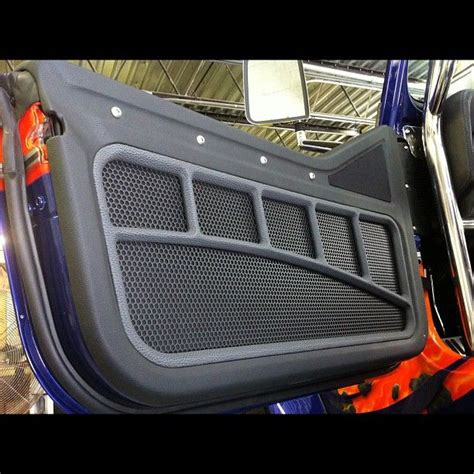 custom interior door panels the door panel is on the jeep custom interiores de