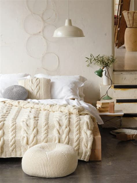 knitted bed throw pattern free cushion knitting pattern with cable