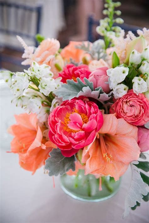 flower centerpieces 25 beautiful flower arrangements ideas on
