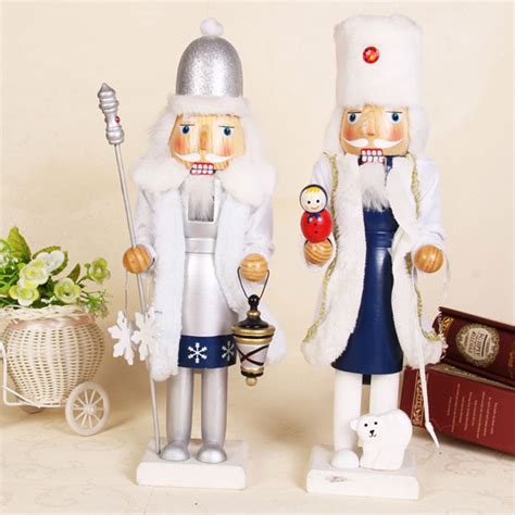 nutcrackers decorations santas nutcrackers and decorations in 28 images 25