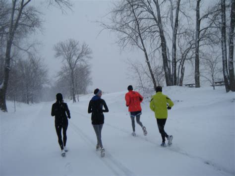 for winter 10 tips to avoid winter running injuries live on the edge