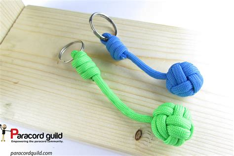 how to make a keychain with how to tie a paracord keychain paracord guild