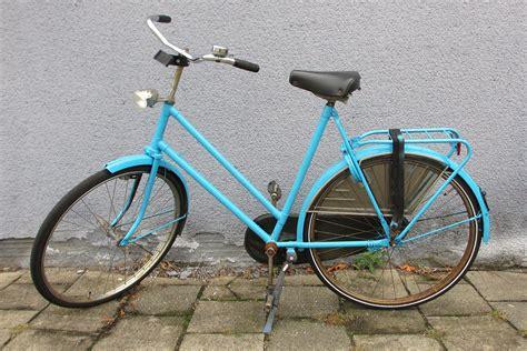spray painting a bike bike spray paint makeover magical daydream
