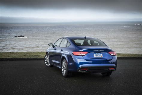 Chrysler 200 Price Range by 2015 Chrysler 200s Rear End Static Photo 13