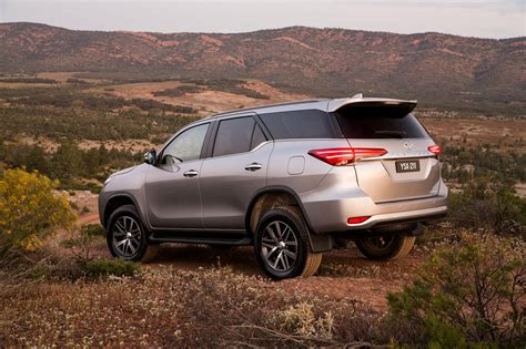 Toyota Suv Reviews by Suv Toyota Prado 2018 Dodge Reviews