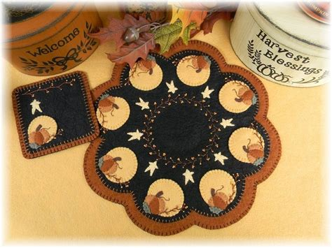 Penny Rugs Free Patterns by Pattern Harvest Moon Penny Rug Candle Mat Amp Mug Rug