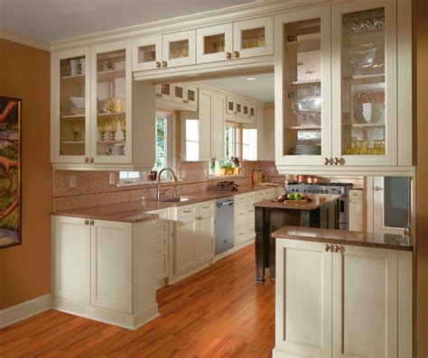 kitchen cabinet images painted kitchen cabinets in alabaster finish kitchen craft