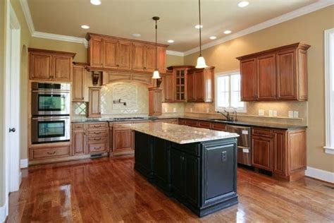 best paint colors for kitchen with cabinets best kitchen paint colors with maple cabinets photo 21