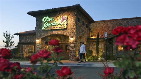 olive garden defends unlimited breadstick policy today