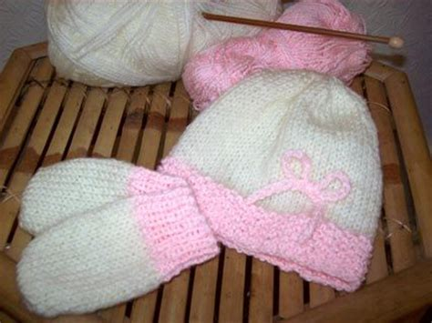 easy knit baby mittens free pattern from knitting on the net i think i will make