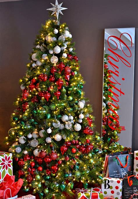 why do we decorate trees with ornaments tree ideas how to decorate a tree