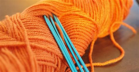 how do i cast my knitting knitowl how to cast on knitting contiental style