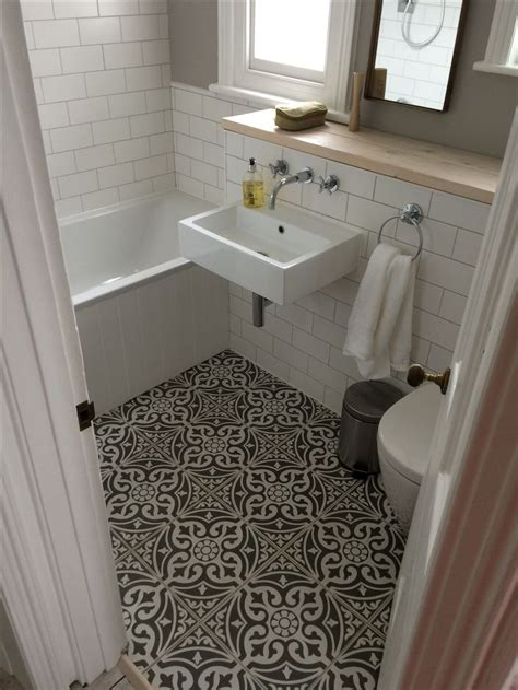 tile flooring ideas for bathroom 25 best ideas about small bathroom tiles on