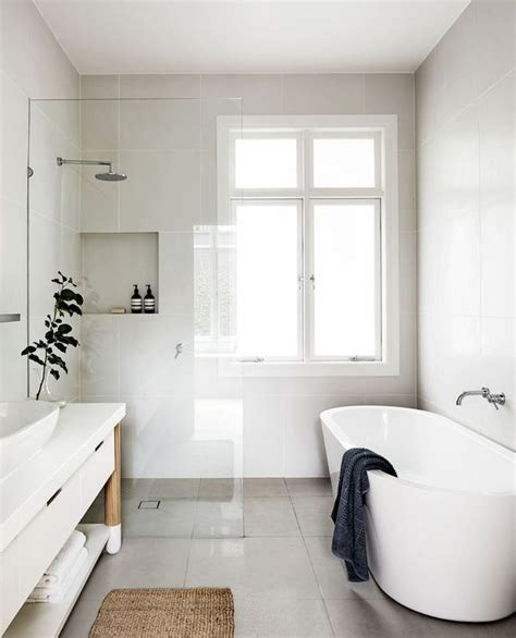 Bathroom Ideas White by 17 Best Ideas About White Bathrooms On Family