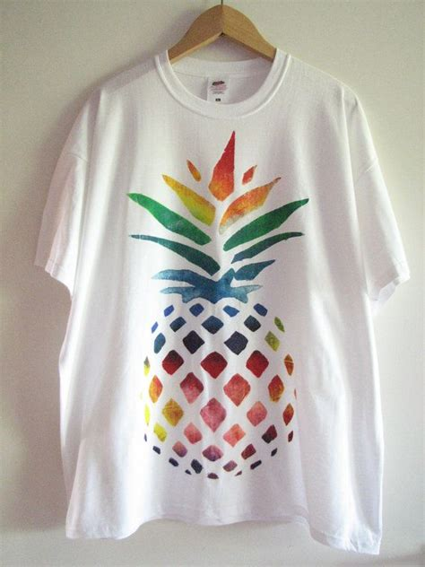 acrylic paint on t shirts best 25 t shirt painting ideas on