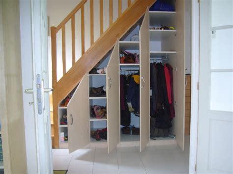 placards sous escalier la boutique du placard