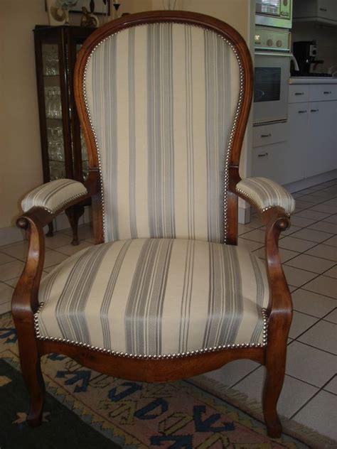 fauteuil quot voltaire quot stephane poissel tapissier d 233 corateur