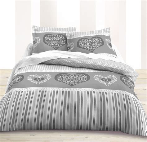housse couette grise blanche