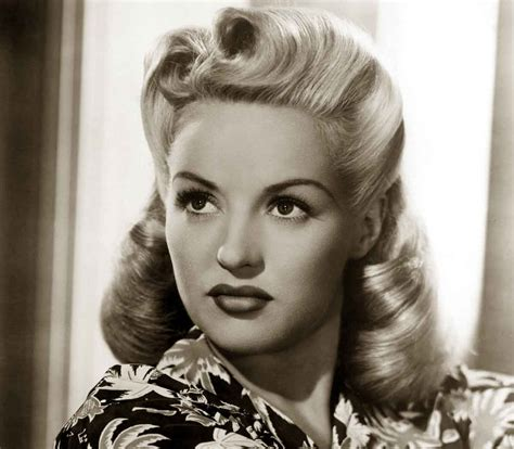 hairstyle facts from the 1940 s 1940s hairstyles memorable pompadours glamourdaze