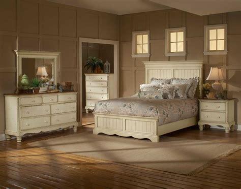 hillsdale bedroom furniture hillsdale wilshire panel bedroom set antique white