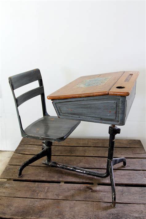 antique school desk antique childrens school desk woodworking projects plans