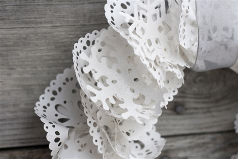 paper doily craft studio 5 wispy winter wreath