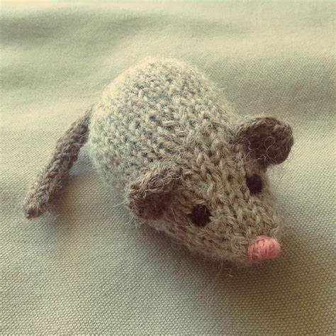 Jingle Mouse Cat By Dooley And Spud Knitting Pattern