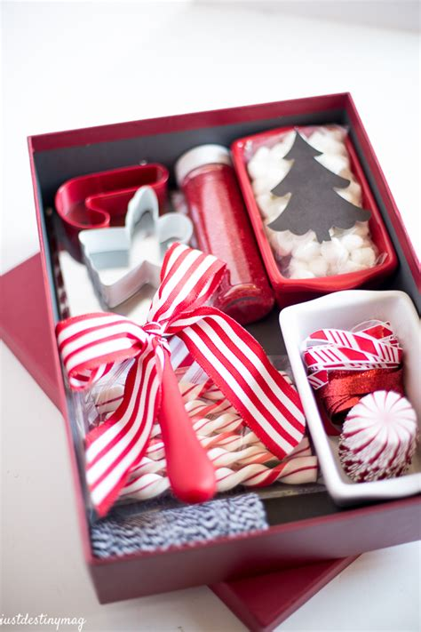 25 simple gifts for neighbors this