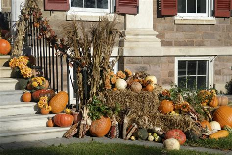 how to decorate your yard for how to decorate your yard for autumn entertaining