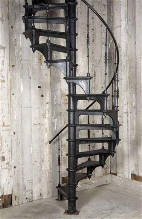 escalier colimacon d epoque industrielle 224 toulon mat 201 riaux de construction escaliers echelles