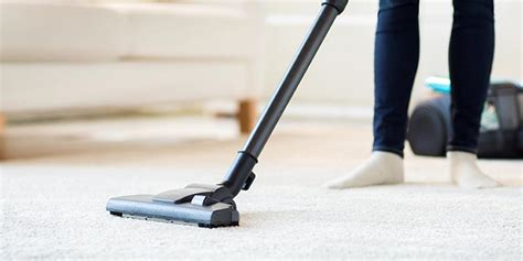 Natural Cleaning Wood Floors by 13 Vacuum Cleaning Tips For Your Floors Allergy Amp Air