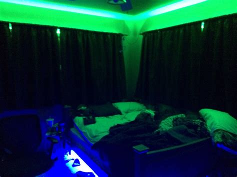 black light bedroom stoner bedroom blacklight www pixshark images