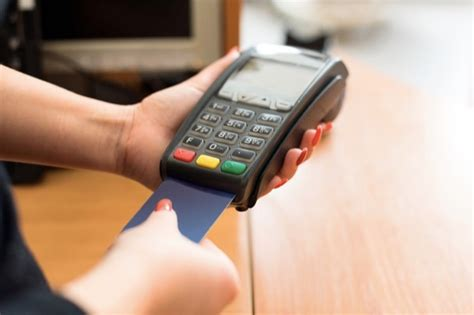 how to make best use of credit card chip credit cards are coming to the usa here s what you