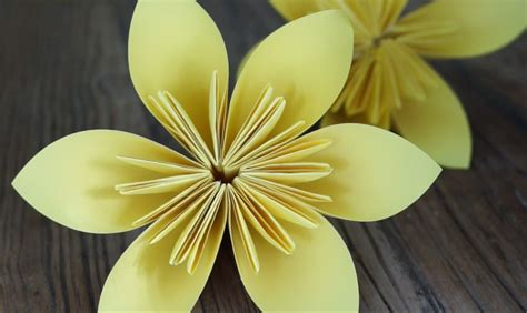 origami daffodil origami daffodils for daffodil day cancer council nsw