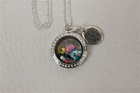 origami owl reviews origami owl review and giveaway the fashionista momma