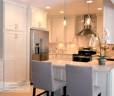 kitchen cabinets shaker style white white shaker kitchen cabinets homecrest cabinetry