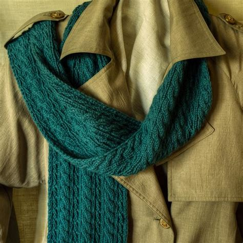 reversible cable knit pattern cable lover s reversible scarf knitting patterns and
