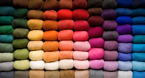 how to knit colors yarn information tricksy knitter by megan goodacre