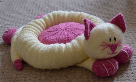 knit cat bed pattern cat snuggler knitting by post