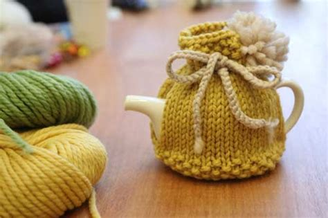 simple tea cosy knitting pattern free house teapot cosy pattern is gorgeous the whoot