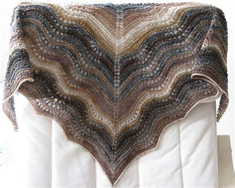 feather and fan knitting pattern feather and fan comfort shawl la chouette
