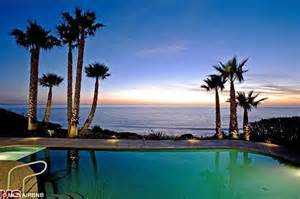 airbnb mansion los angeles carey rents another beachfront mansion from airbnb