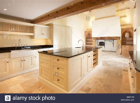 quaker kitchen design quaker style home