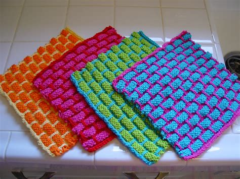 how to knit dishcloths file dishcloths jpg wikimedia commons