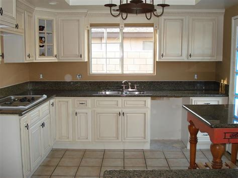 white antique kitchen cabinets kitchen and bath cabinets vanities home decor design ideas