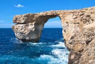 azure window collapses malta s azure window rock arch collapses